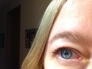 "Too dark eyebrows ""pop"""